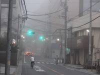早朝の濃霧