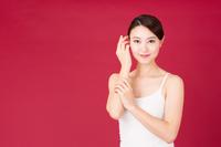 若い女性の美容イメージ