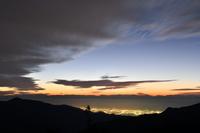 高原の夕景