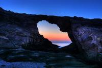 馬の背洞門の夜明け