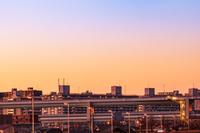 首都高とビル群の夕景