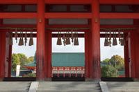 京都 平安神宮 応天門から見た外拝殿