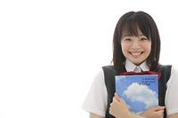 ノートを持つ女子高校生
