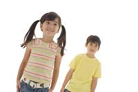 笑顔のハーフの男の子と女の子