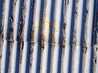 錆びたトタン屋根