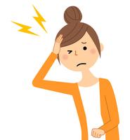 若い女性 ママ 頭痛