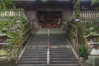 吉備津神社 参道石段と北随神門