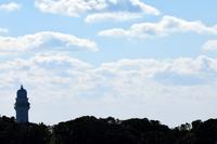 潮岬から見る灯台