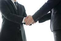 ビジネスシーンー契約成立