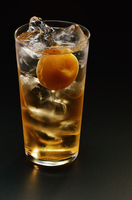 梅の実入り梅酒