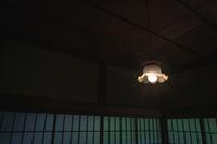 邸宅のレトロな電灯