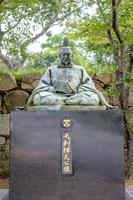 萩城 毛利輝元公像