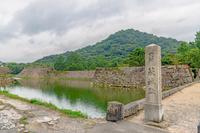 萩城 内堀と指月山