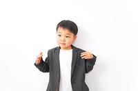 スーツを着た男の子