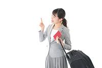 海外出張に行くビジネスウーマン