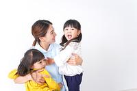看護師と子ども