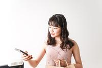 キャッシュレス・スマホ決済・クレジットカード決済イメージ