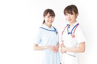 二人の若手看護師