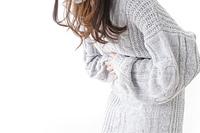 腹痛・生理痛に苦しむ女性