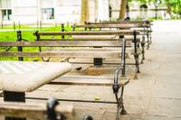 ニューヨーク・マンハッタンのベンチ