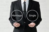ビジネスイメージ―結婚か独身か
