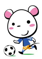 サッカーを楽しむ子