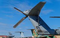 横田基地に並ぶ軍用機