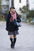 通学中の女子校生