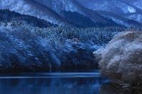 冬の錦秋湖