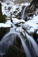 冬の薄衣の滝