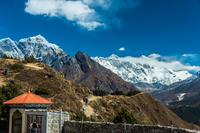 シャンボチェの丘からエベレスト山群