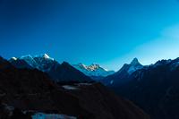 夜明けのエベレスト山群