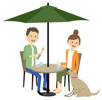 若いカップル カフェ おしゃべり