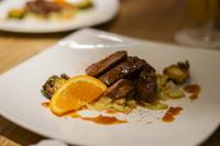 レストランの高級肉料理