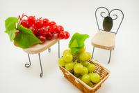 ぶどうと椅子とテーブルのインテリア