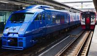 特急青いソニック(883系)と815系(大分駅)