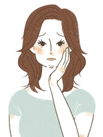 顔のむくみ・脂肪に悩む女性