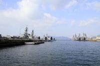 アレイからすこじま(軍港)の護衛艦と潜水艦 (広島 呉)