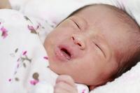 生後1ヶ月の赤ちゃんの泣き顔