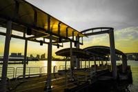 お台場海浜公園水上バスのりばの夕景