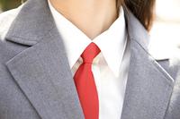 女子高生のネクタイ