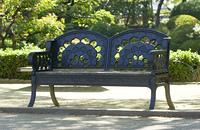 銀杏デザインのベンチ