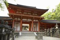 春日大社南門と石灯籠
