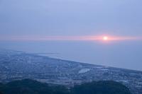 湘南海岸と朝日