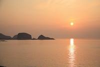 オロンコ岩と夕日