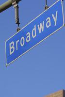 ブロードウェイ通りの標識