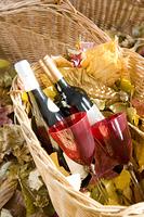 カゴの中のワイン