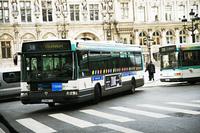 パリ市内の路線バス