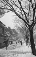 雪の表参道