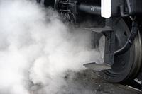 蒸気機関車先輪と蒸気